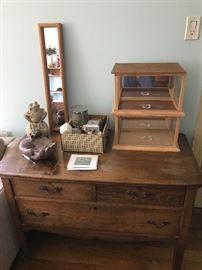 Nice antique 3 drawer low dresser!