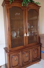 LIGHTED CHINA HUTCH