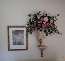 WALL ART / WALL SHELF / LAMP / FLORAL