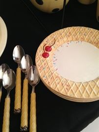 Darling ice cream/dessert dishes & spoons