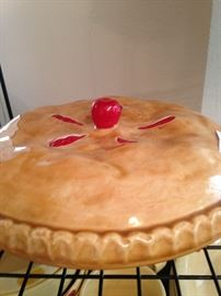 Cherry pie - pie plate and cover