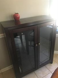 Small wood cabinet w/glass doors and inside shelves