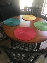 Casual dinette table with 4 chairs