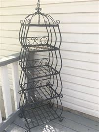 4 tiered metal shelf unit/plant stand