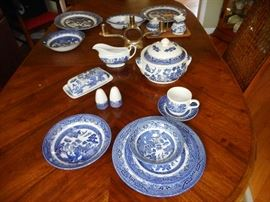 Vintage Churchill Blue Willow China, 5 Piece Place Setting (12 sets), Plus Service. England