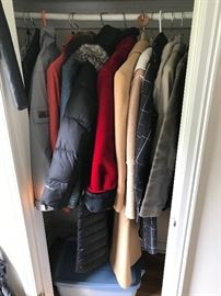 WOMENS JACKETS AND COATS - SIZE MEDIUM