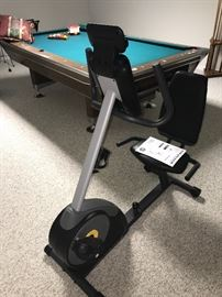 GOLD'S GYM EXERCISE BIKE