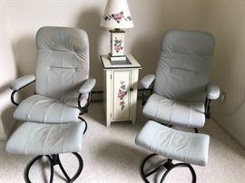 Vintage stressless Ekorne chairs
