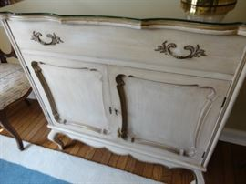 ANTIQUE BUFFET DRESSER CABINET