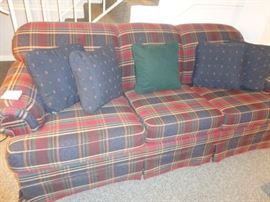BROYHILL HIDE A BED SOFA COUCH