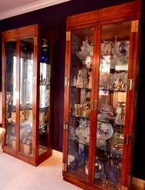 GORGEOUS MIRRORED SHOW CASES WITH ALL SORTS OF ART PIECES