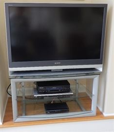 LARGE TV SET --NOT A FLAT SCREEN AND WORKS GREAT!
