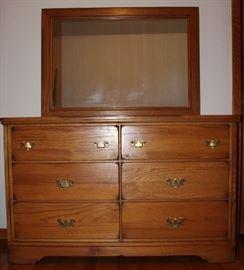 6-Drawer Oak Dresser with Mirror