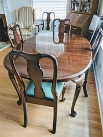Ethan Allen Table and 5 Chairs