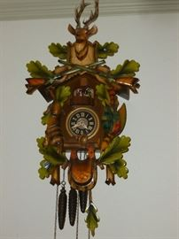 Killer musical Cuckoo Clock..works great!