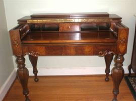 Beautiful walnut spinet desk.