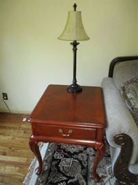 THOMASVILLE ACCENT TABLE, LAMP