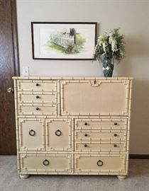 Vintage chest of drawers with fold out desk. This is part of a matching 4 piece bedroom set. Please see other pics.