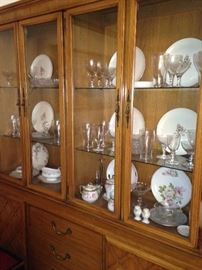 Several kinds of china and crystal