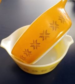 "Vintage Pyrex ""Town & Country"" Pattern"