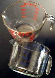 Vintage Pyrex Glass Measuring Cups