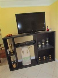 Flat Screen TV & Display Console