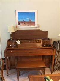 Baldwin console piano  ( make offer)    call  Justus 901-  210-6243 or Judy 901-283-0111  this is located Princeton  please call for more information or appointment  to see .