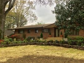 This 4 bedroom home - each has it own full bath also  2 half baths,   great back yard and home  for entertaining   call 901-210-6243 for more information and appointment please call.