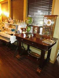 Gorgeous Vintage Library Table, Mantle Clocks, Gone With The Wind Style Electrified Lamp