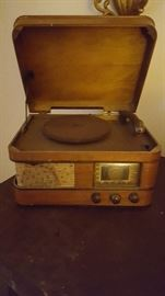 Crosley radio record player