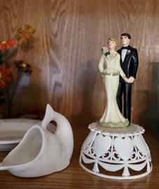 Vintage Bride & Groom Topper