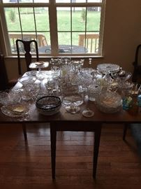 Miscellaneous antique glassware