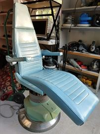 Who doesn't want their own dentist chair for home use? As long as there's plenty of nitrous, bring it on!!             This lovely jewel is made by the Belmont Co., of Japan.