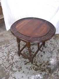 Antique table -sides fold down