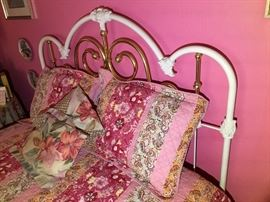Iron Bed/ Colorful Beddings