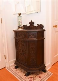 Antique Victorian Carved Wood Nightstand / Commode