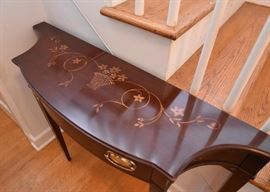 Inlaid Mahogany Federal / Sheraton Style Console Table with Drawer (Flower Basket Motif)