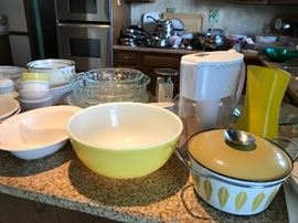 Catherineholm enamelware stock pot with lid, vintage yellow pyrex bowl and tons of kitchen miscellaneous!