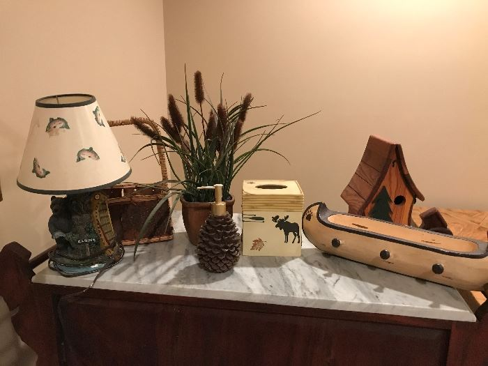 Lodge decor... perfect for your lake or mountain house!