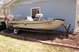Lowe Aluminum Fishing Boat on Trailer with 50HP Mercury Outboard Motor & Garmin Fish Finder