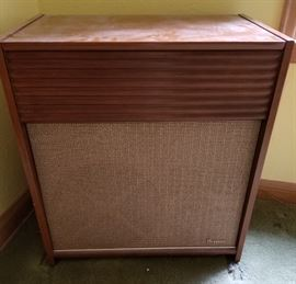 Vintage Magnavox Stereo Speaker