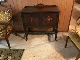 Early 20c Baronial style server