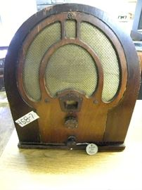 Model 80 Antique Philco Radio