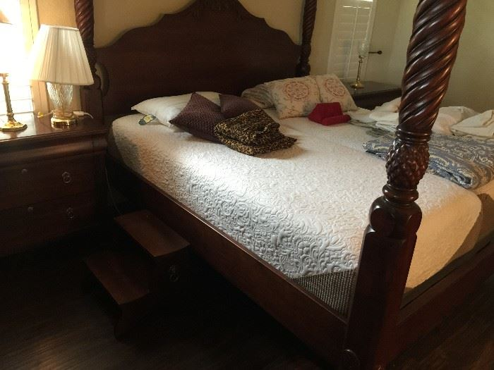 Ethan Allen - Serta Adjustable King Bed