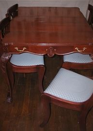 Dining table with two additional leaves, w/ 6 chairs