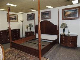 Like new Drexel King Bedroom set