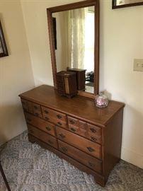 Super nice dresser with mirror