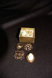 Gold Jewelry, Cameo