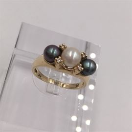 Pearl, diamond and 14K gold