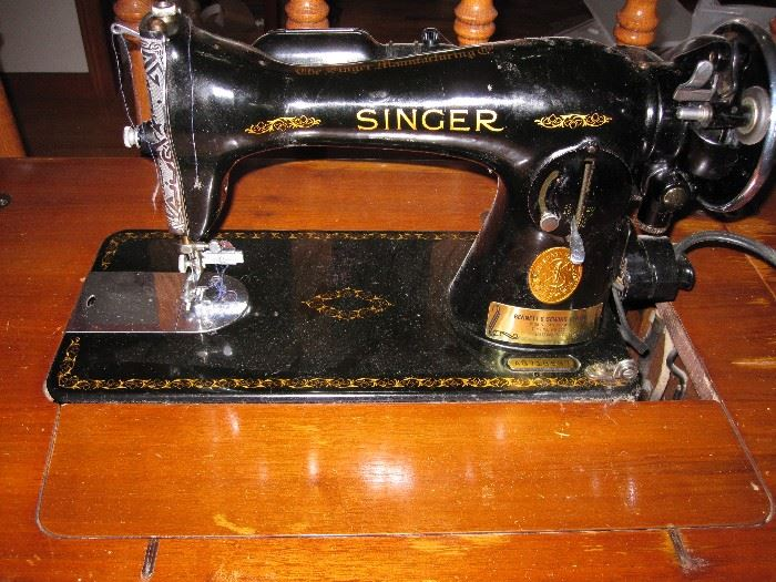 Working sewing machine and wooden cabient